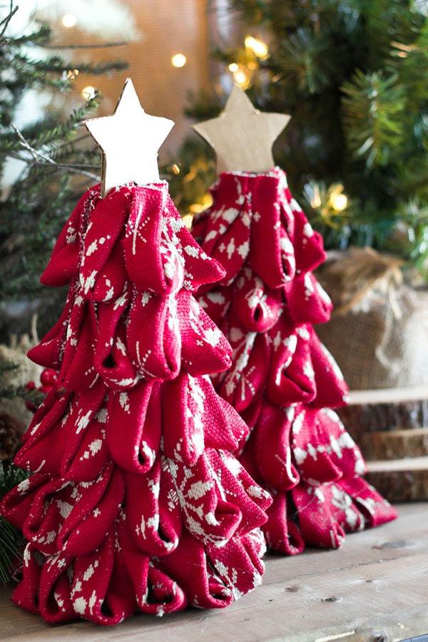 Árvore de Natal com papelão e tecido