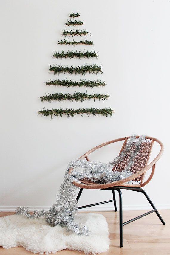 Natal minimalista na parede para quem tem pouco espaço