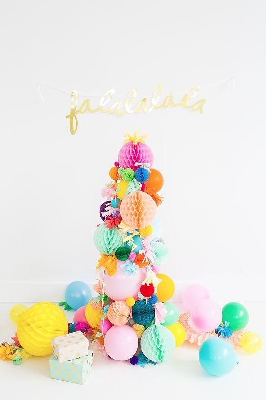 Árvore com elementos festivos