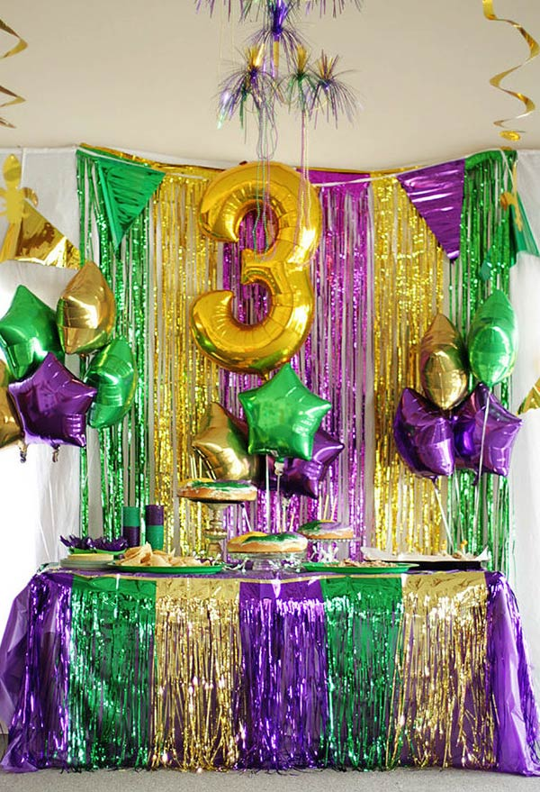 Decoraç u00e3o de Carnaval 60 Ideias Originais com Fotos para se Inspirar -> Decoração De Loja Carnaval