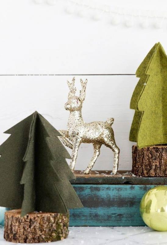 Pinheirinho de Natal com base em madeira
