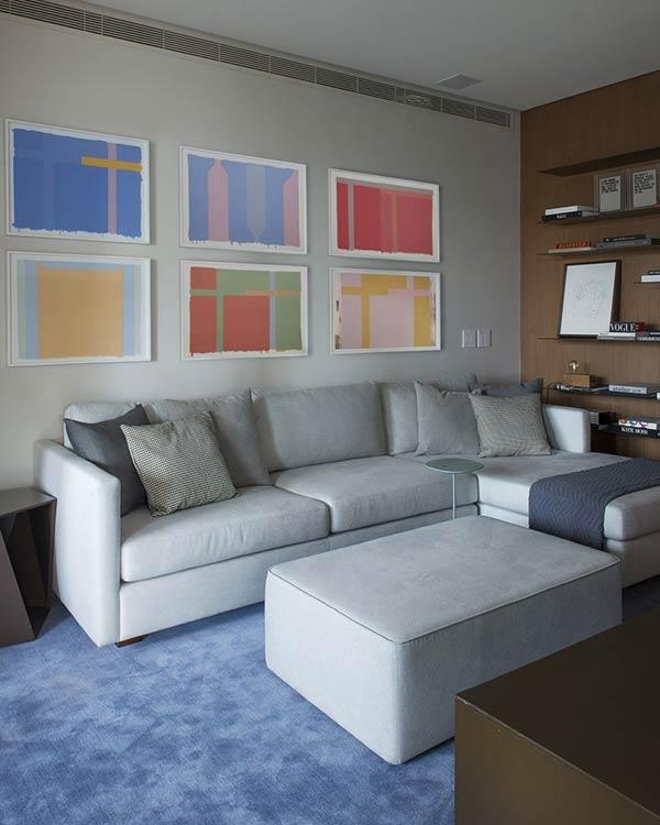 Para quem possui um conjunto de quadros, pode trabalhar a simetria