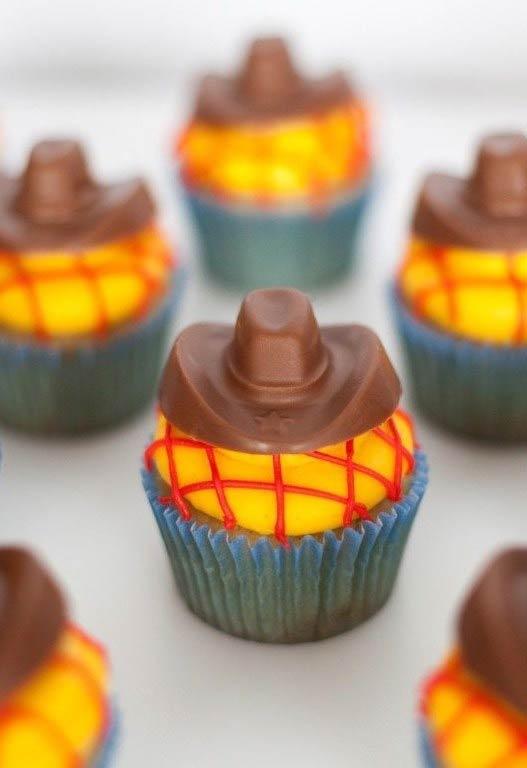 Mais cupcakes para o tema