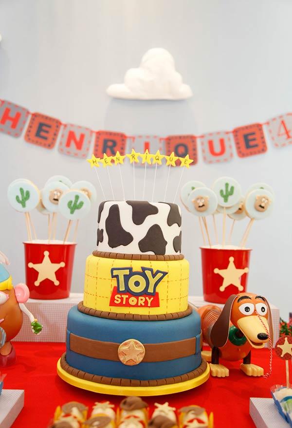 Bolo de três andares Toy Story