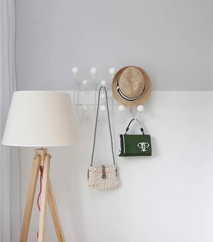 Ganchos para organizar as bolsas