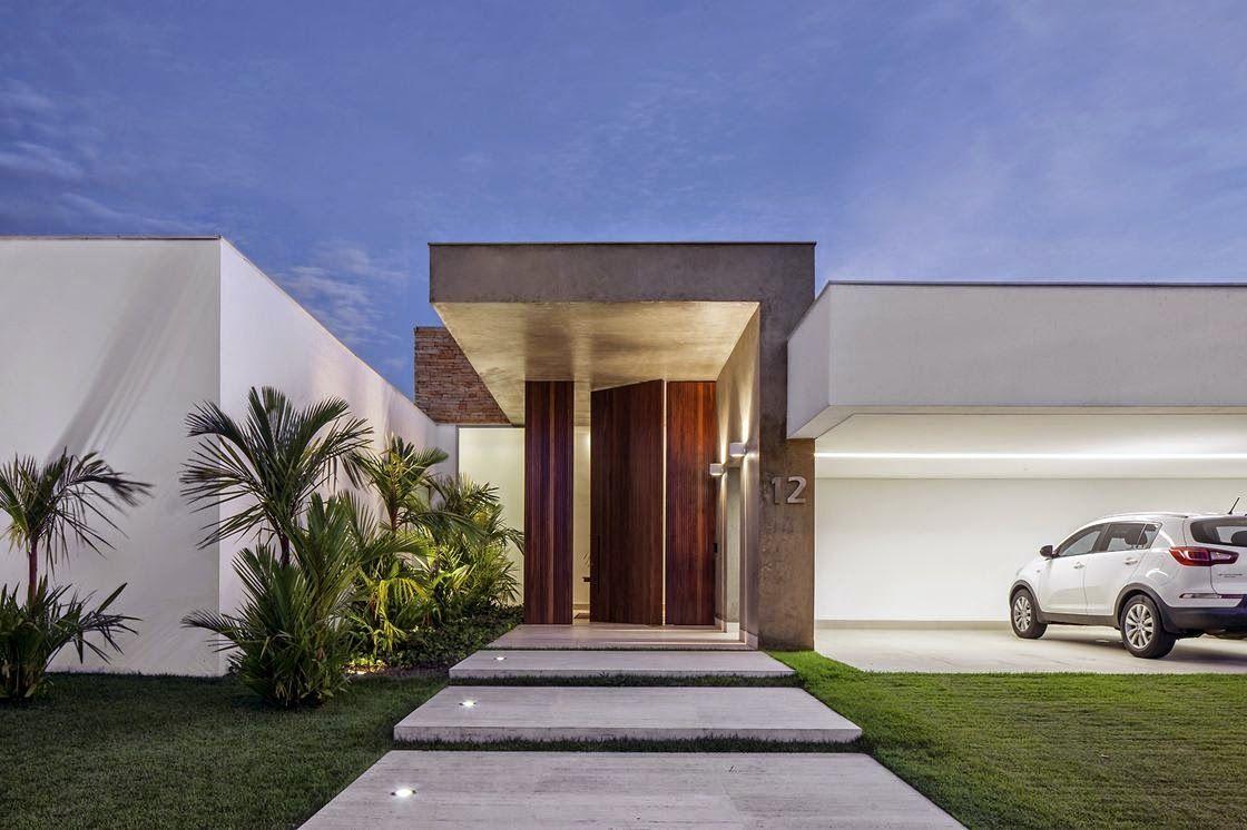 Entradas de casas 60 dicas e ideias para decorar a sua casa for Puertas de entrada de casas modernas