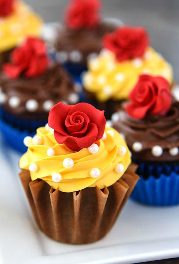 Cupcake para festa Bela e a fera