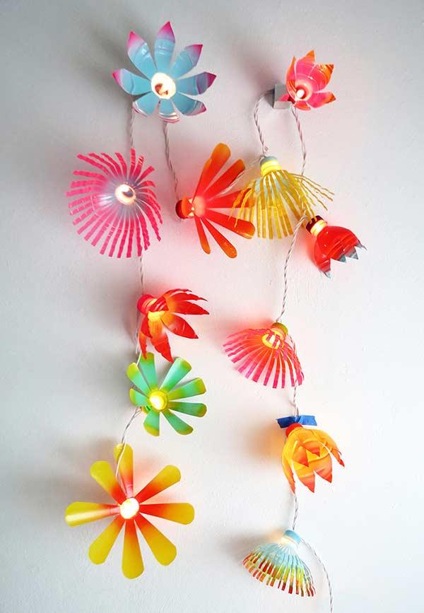 Mais flores para decorar as luzes de natal