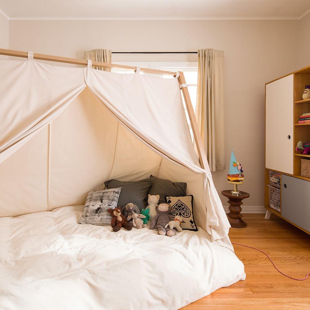 Cama montessoriana estilo cabana