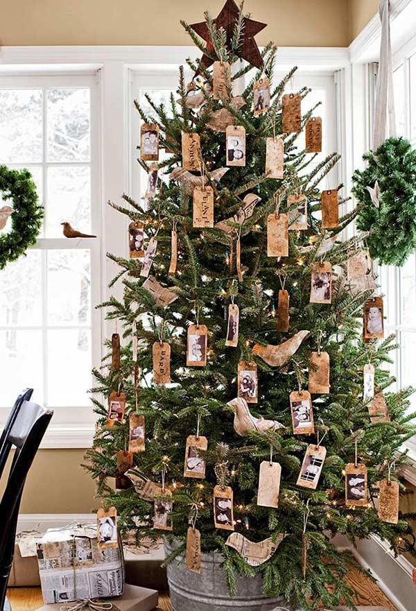 TAGs na decoração da árvore de Natal: para colocar os pedidos e agradecimentos do ano, além de fotos e lembranças