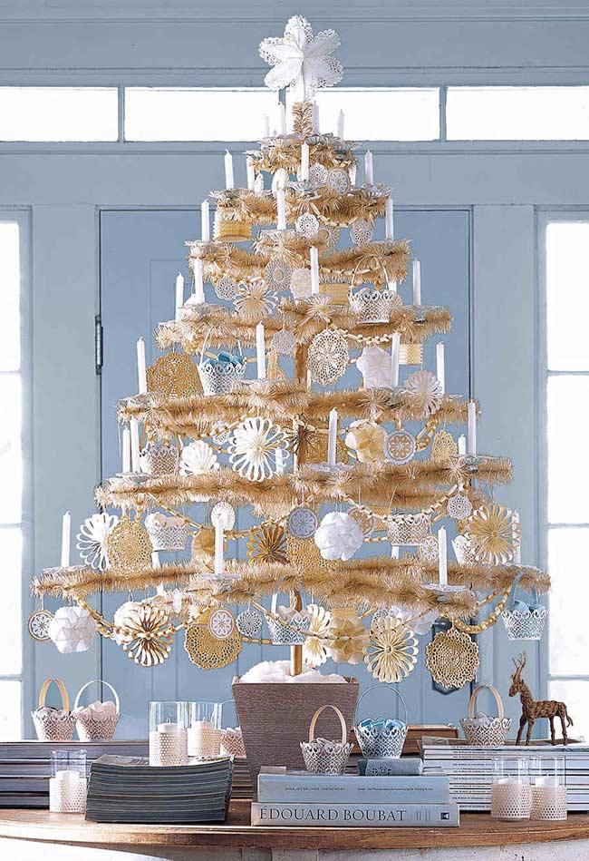 Decoração de Natal com poucos galhos
