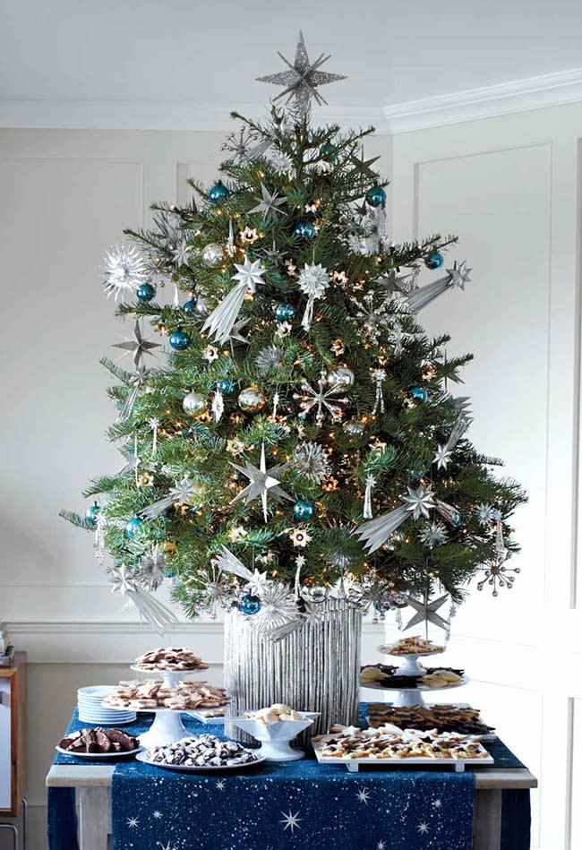 Uma árvore de mesa super estrelada