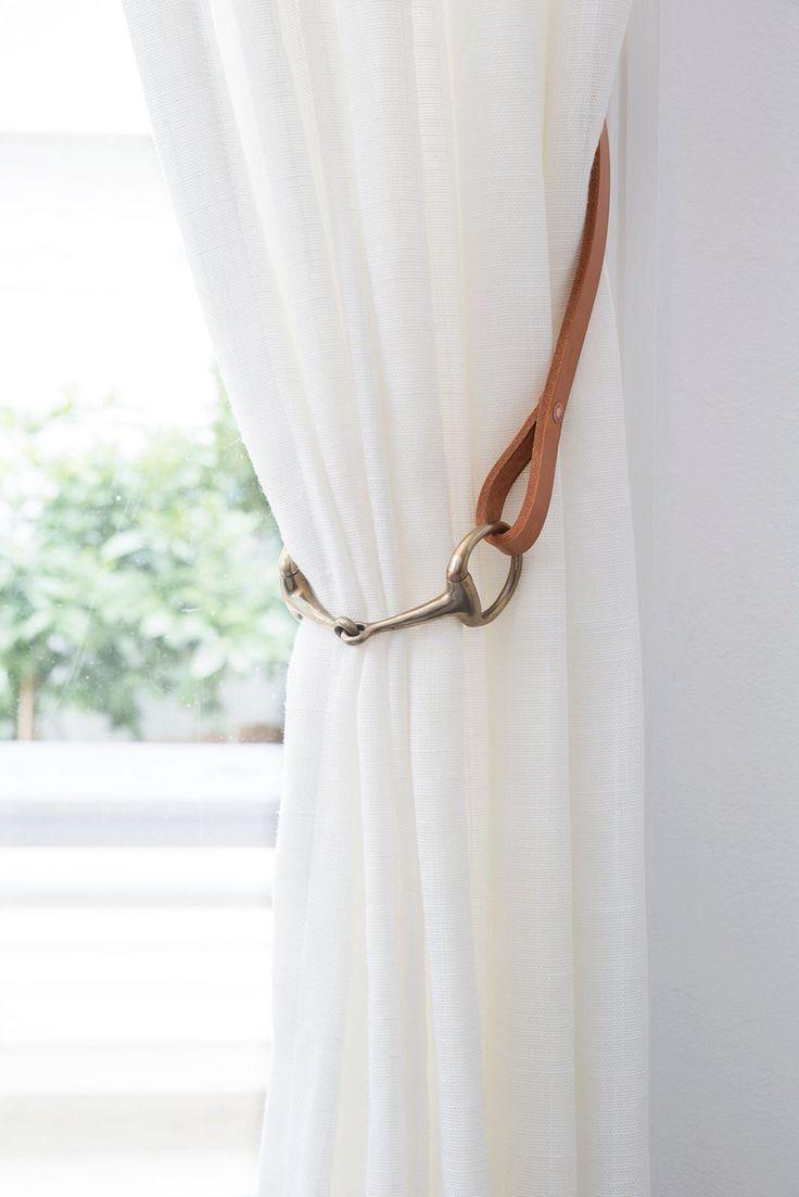 Detalhes visuais de uma cortina de shantung
