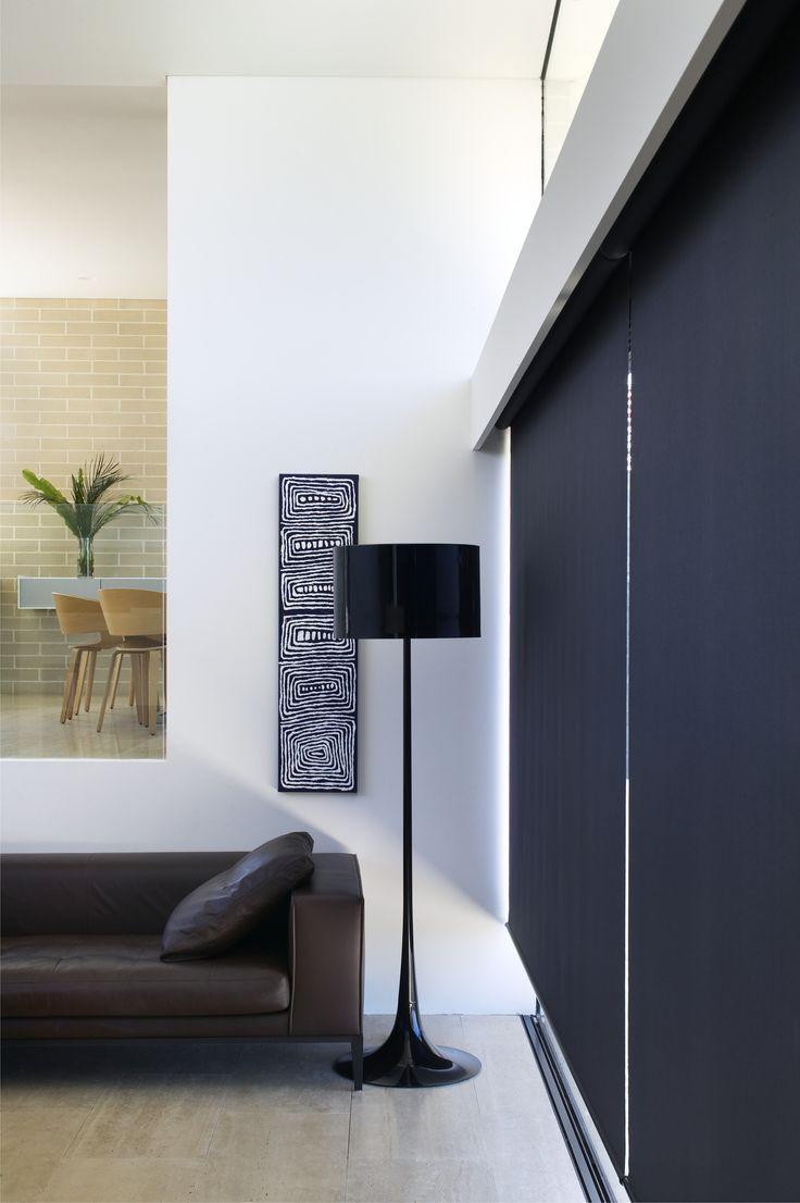 Ambiente com cortina blecaute preta
