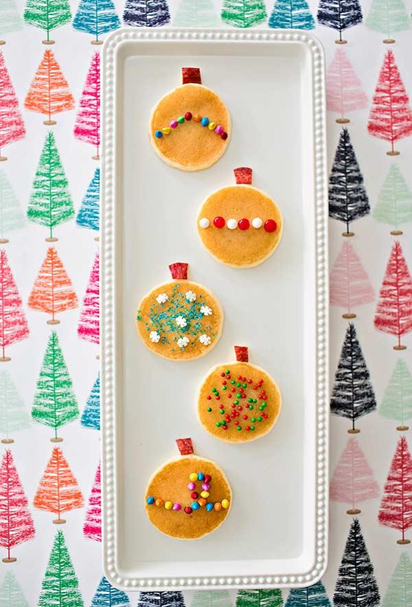 Mini panquecas de decoração no estilo de bola de Natal