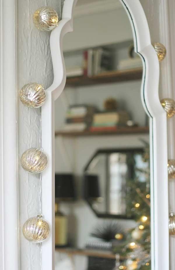 Bolas de Natal para decorar o fio de pisca-pisca
