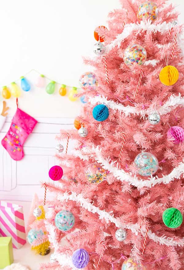 Mini pompons colméia para decorar a árvore
