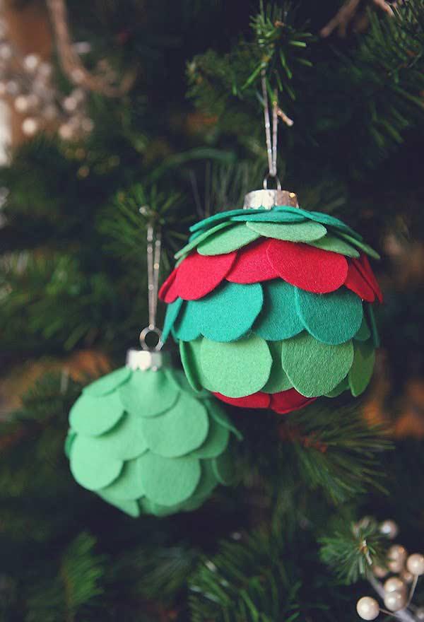Bolas de Natal com feltro