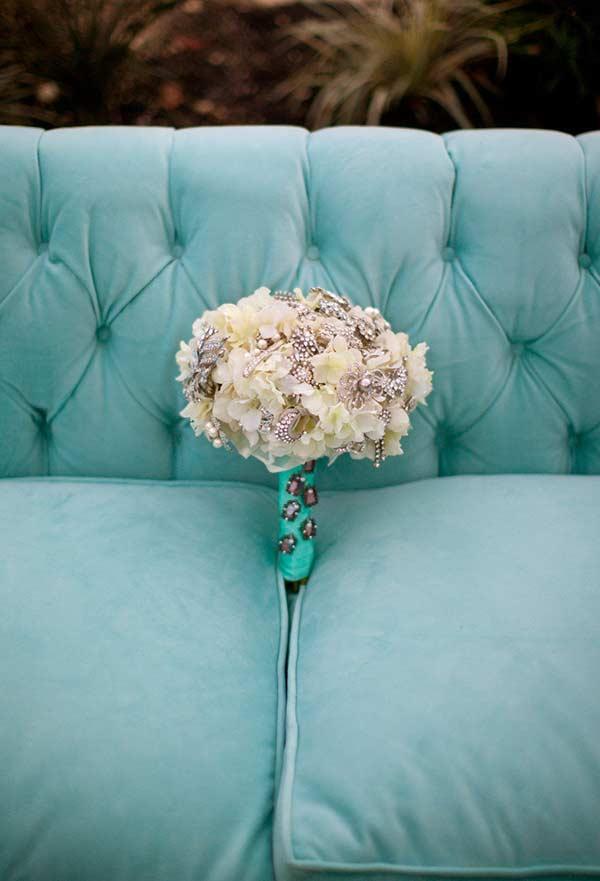 O azul Tiffany também combina com um casamento ao ar livre