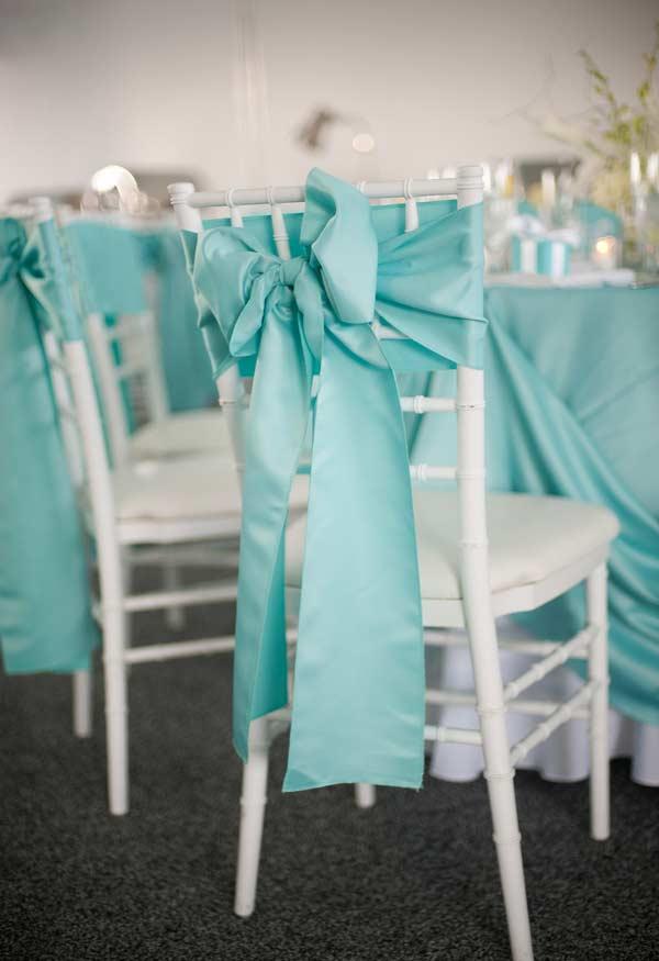 Cor azul Tiffany nos tecidos da festa