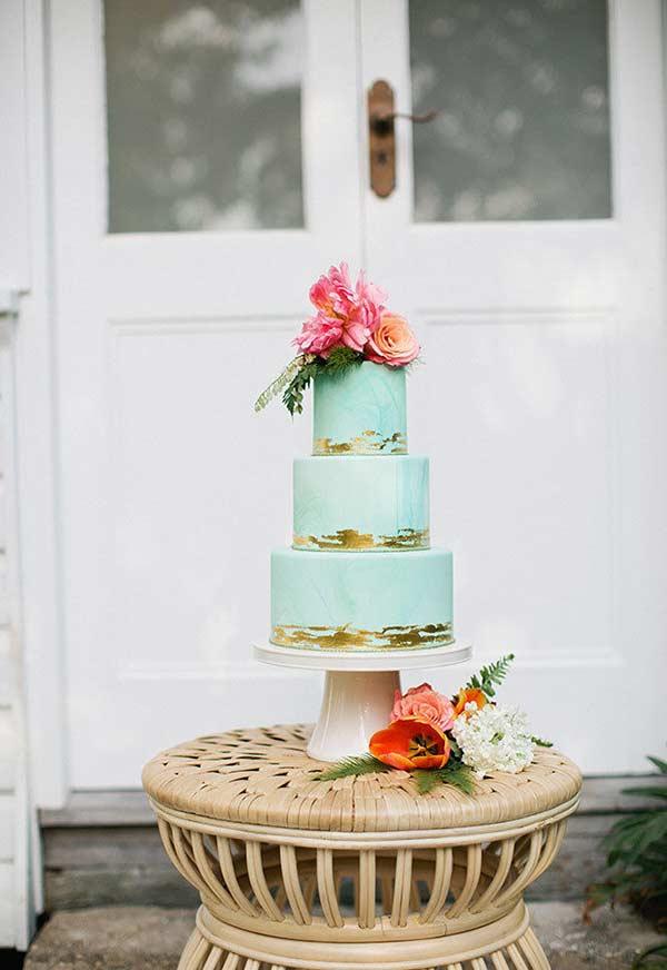 Azul Tiffany e dourado na decoração