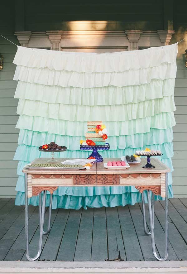 Degradê de fundo no tecido: do branco ao azul Tiffany