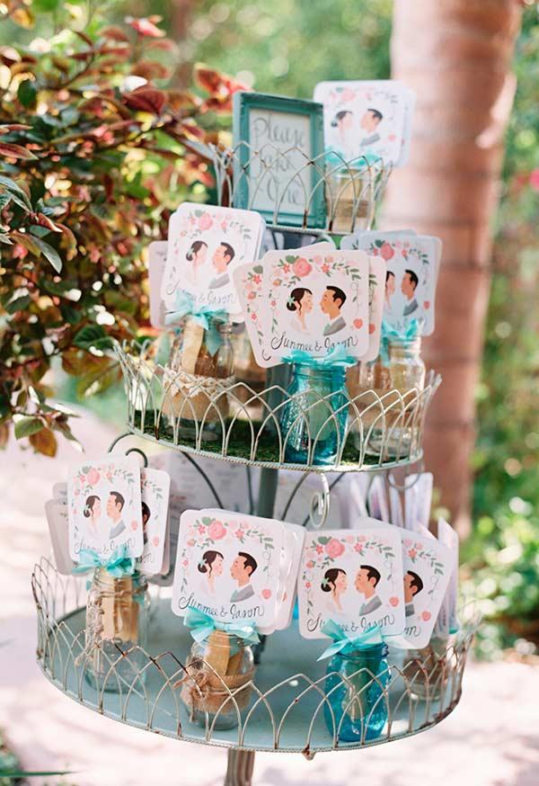Mason jars coloridas para a decoração