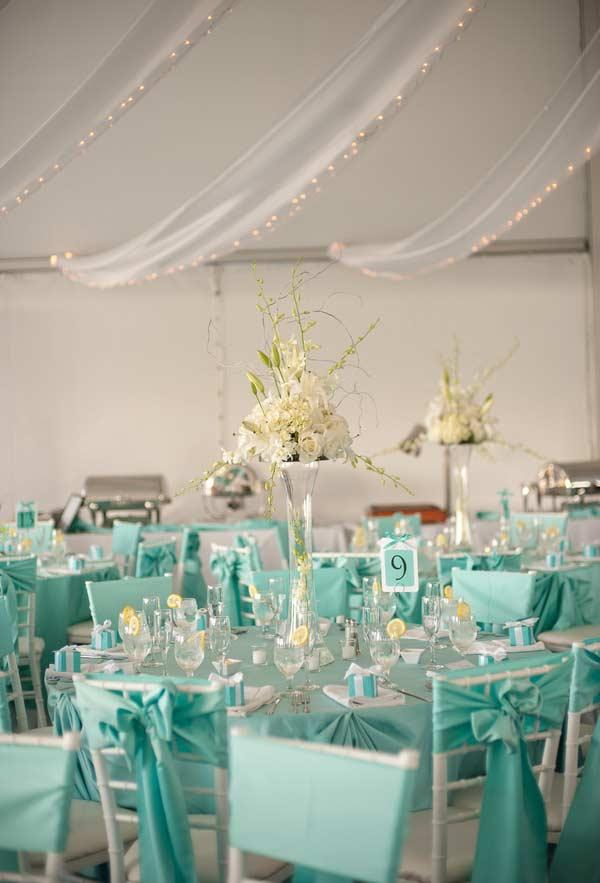 Decoração de mesa de casamento com azul Tiffany