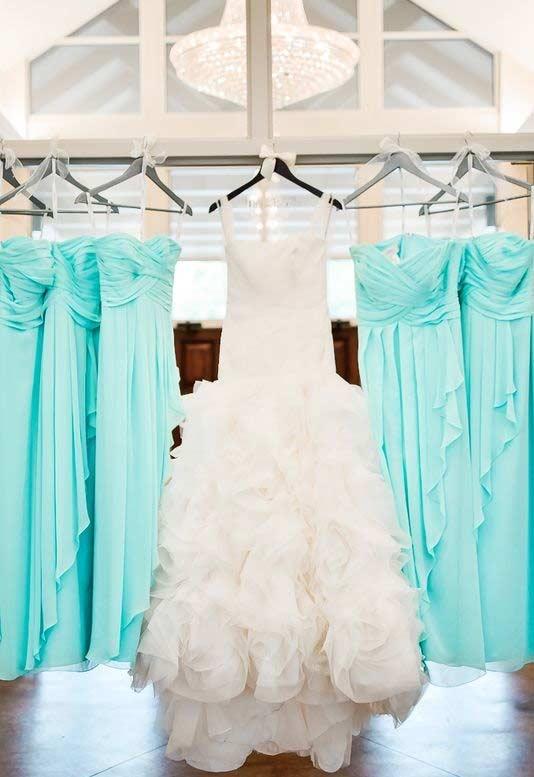 Vestidos de madrinha padronizados na cor azul Tiffany