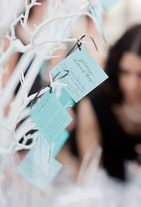 Uma ideia bacana: cartões de agradecimento dos noivos para os convidados com papel azul Tiffany