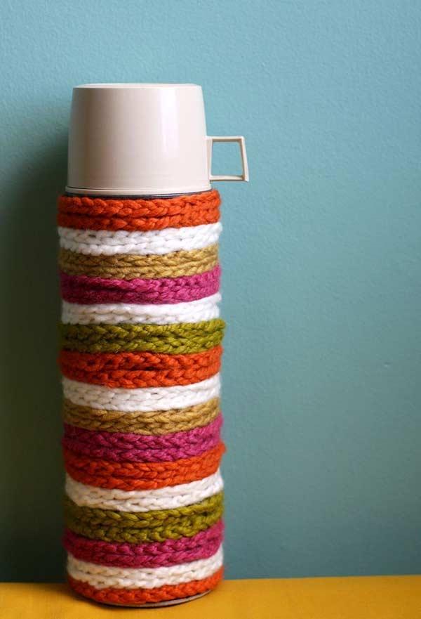 Garrafa térmica com capa de crochê