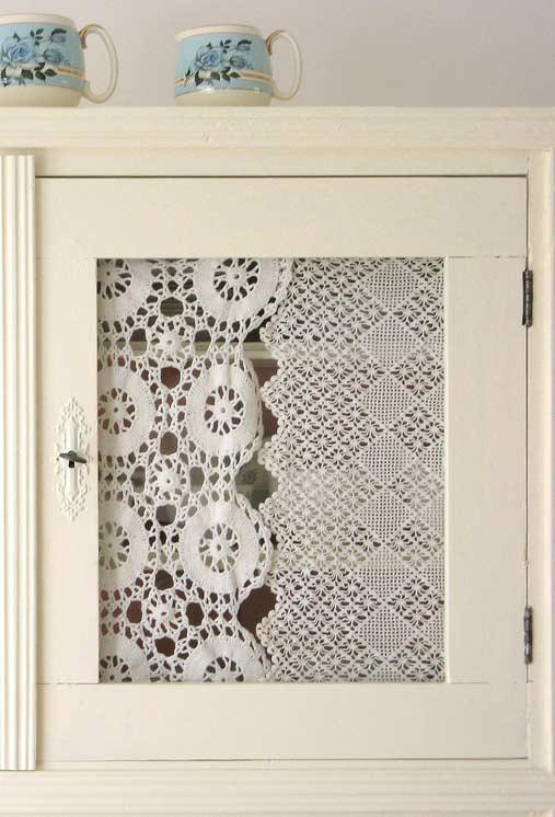 Renda para armário da cozinha com vidro