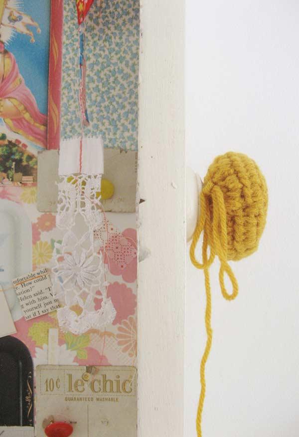 Maçaneta personalizada com o tecido de crochê