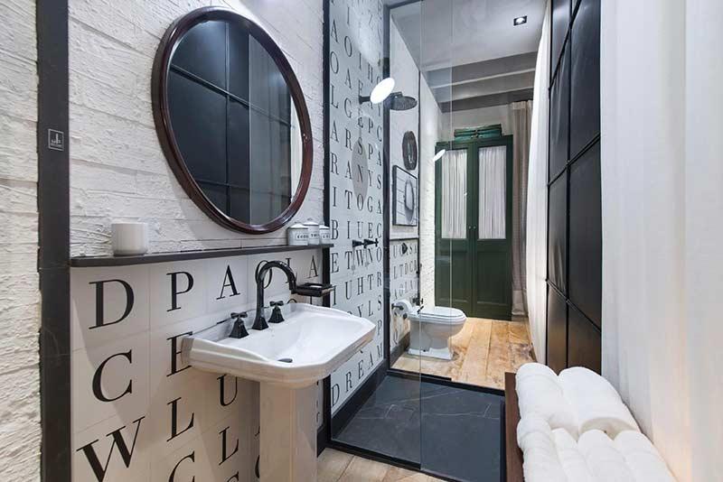 Seja criativo na hora de escolher os azulejos para o seu banheiro