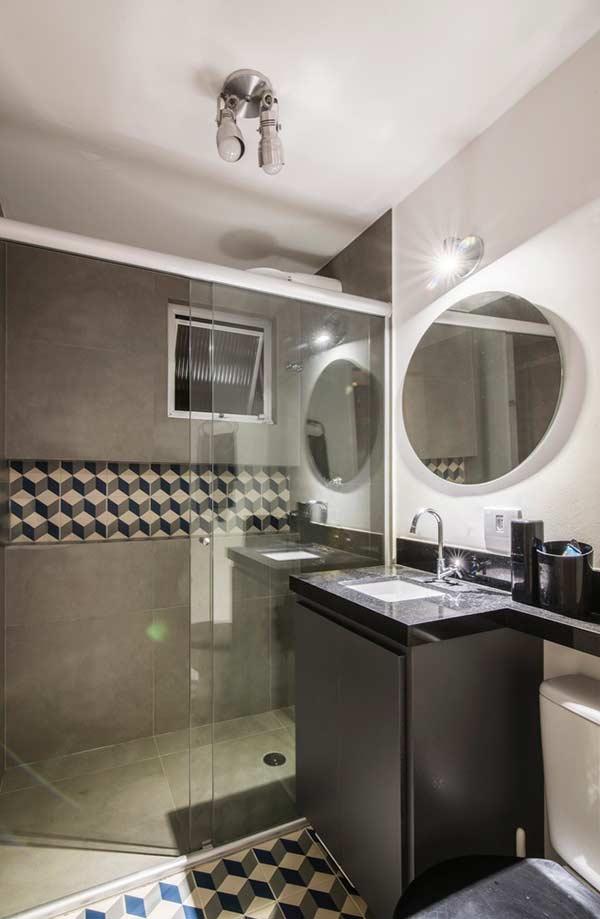 Desenhos geométricos no azulejo para o banheiro