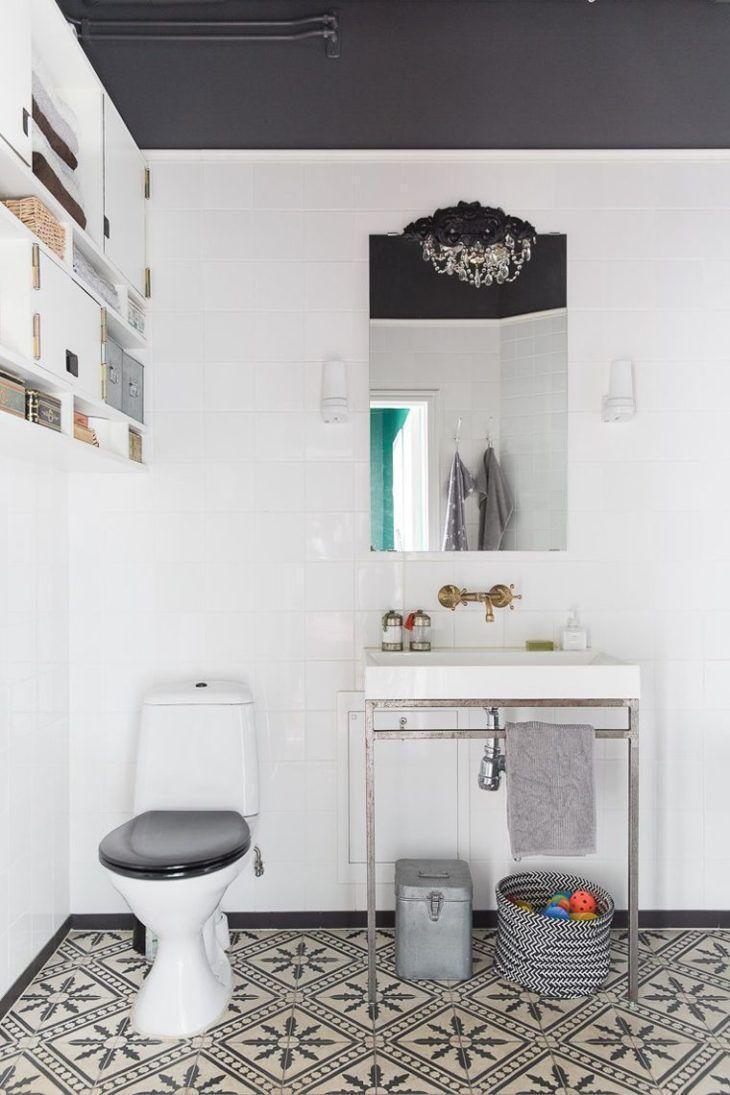 Banheiro com azulejos no estilo rústico