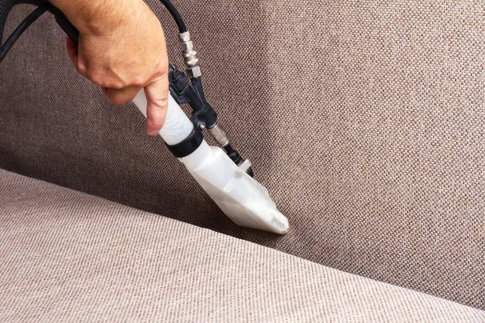 Limpeza de sofá a vapor
