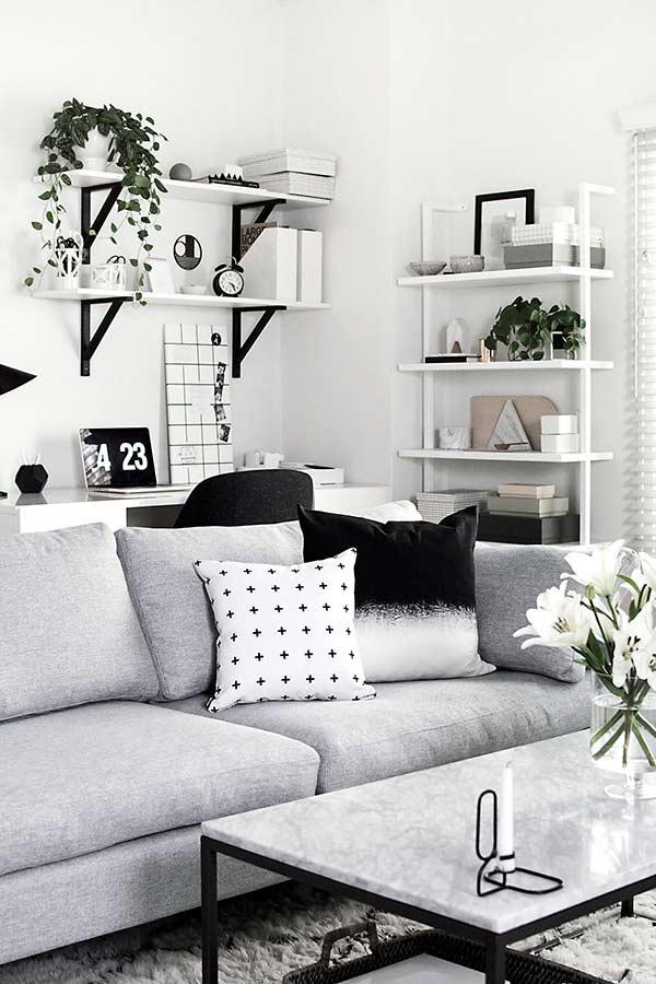 Almofada degradê preto e branca