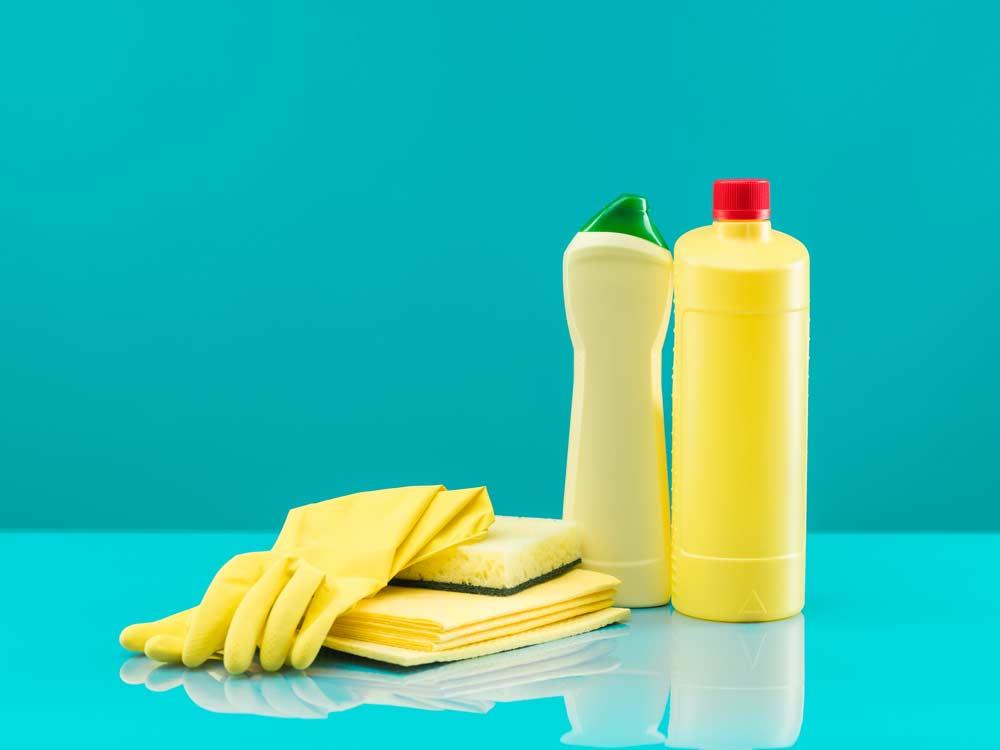 Embalagem de água sanitária (cândida)