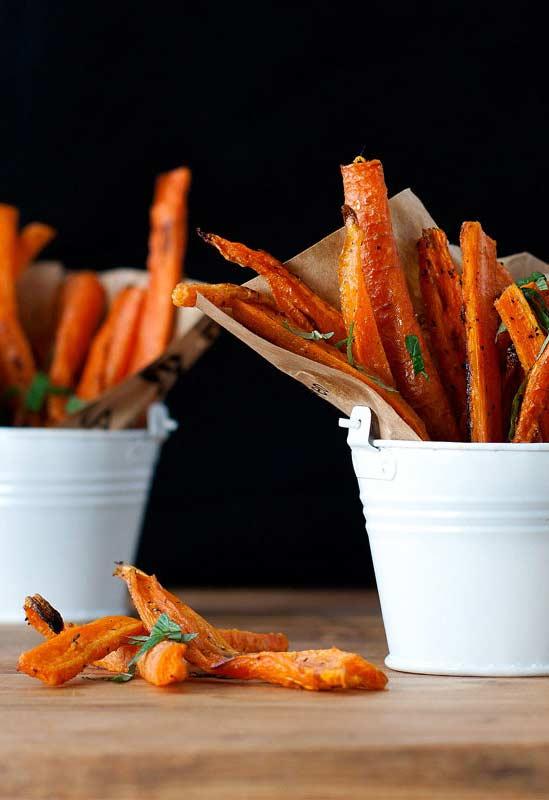 Cenouras fritas como petisco