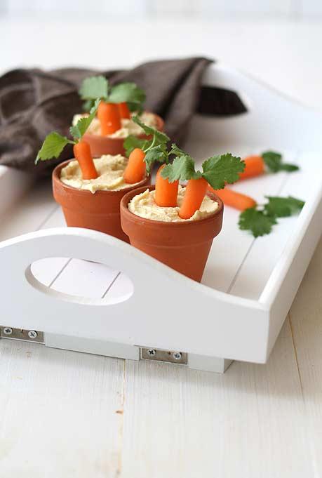 Cenourinhas no vaso prontas com patê ou homus