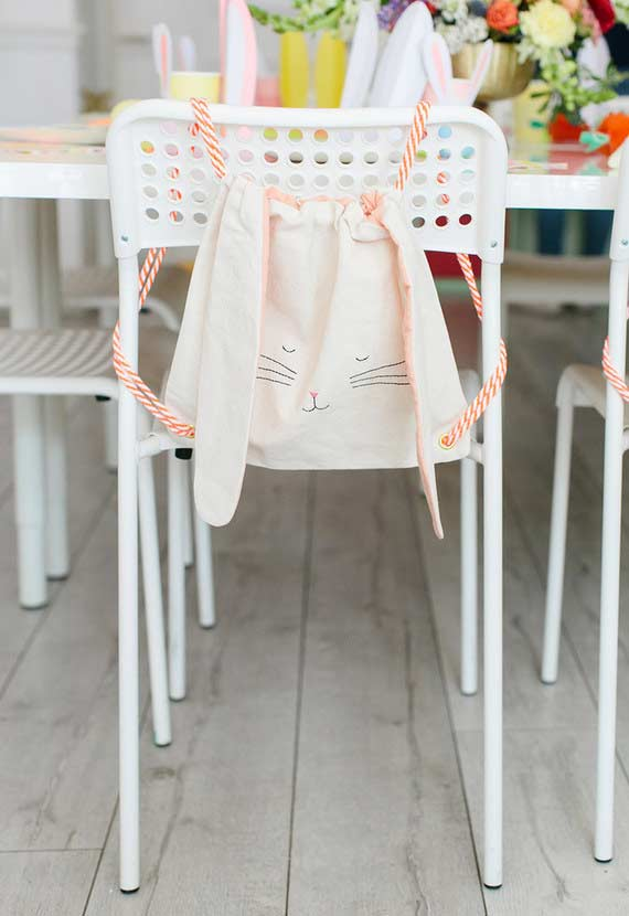 Saquinho de tecido de coelho para cadeira