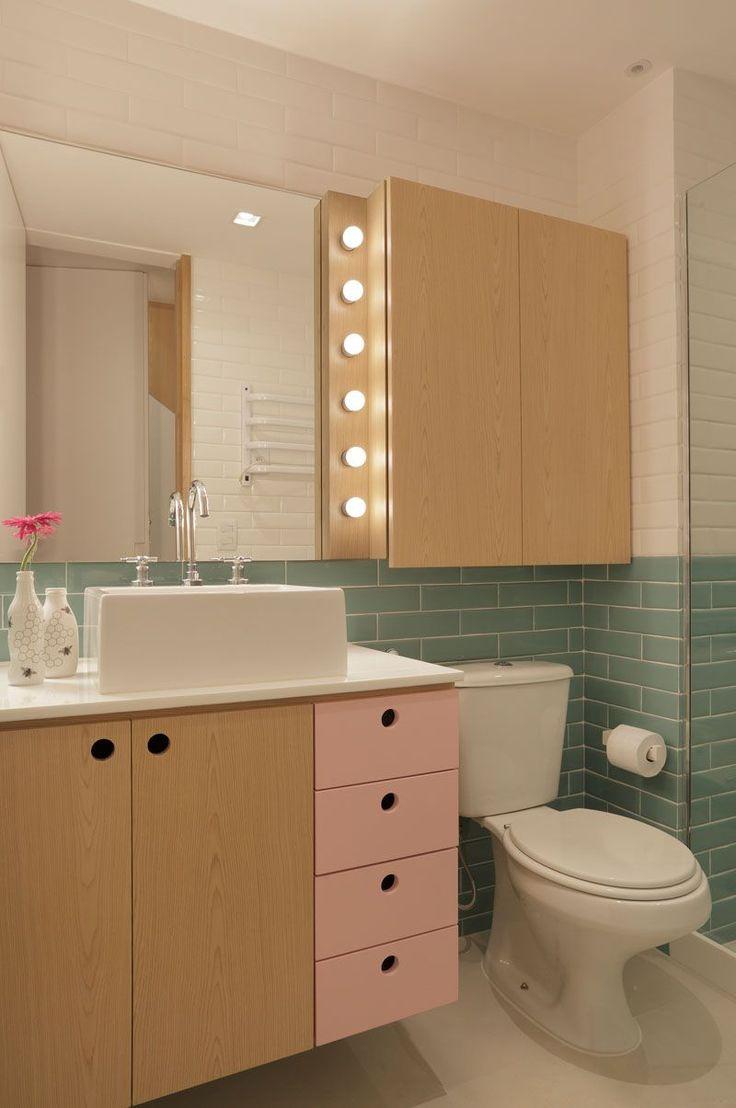 Banheiro com cartela de cores candy color