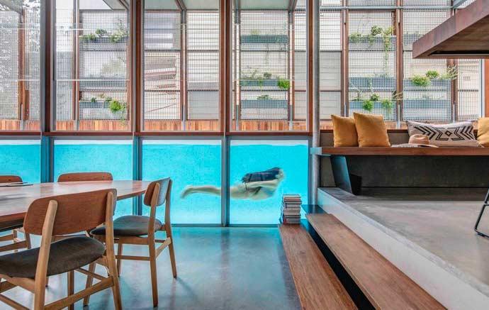 Quando a piscina faz parte da decoração da casa