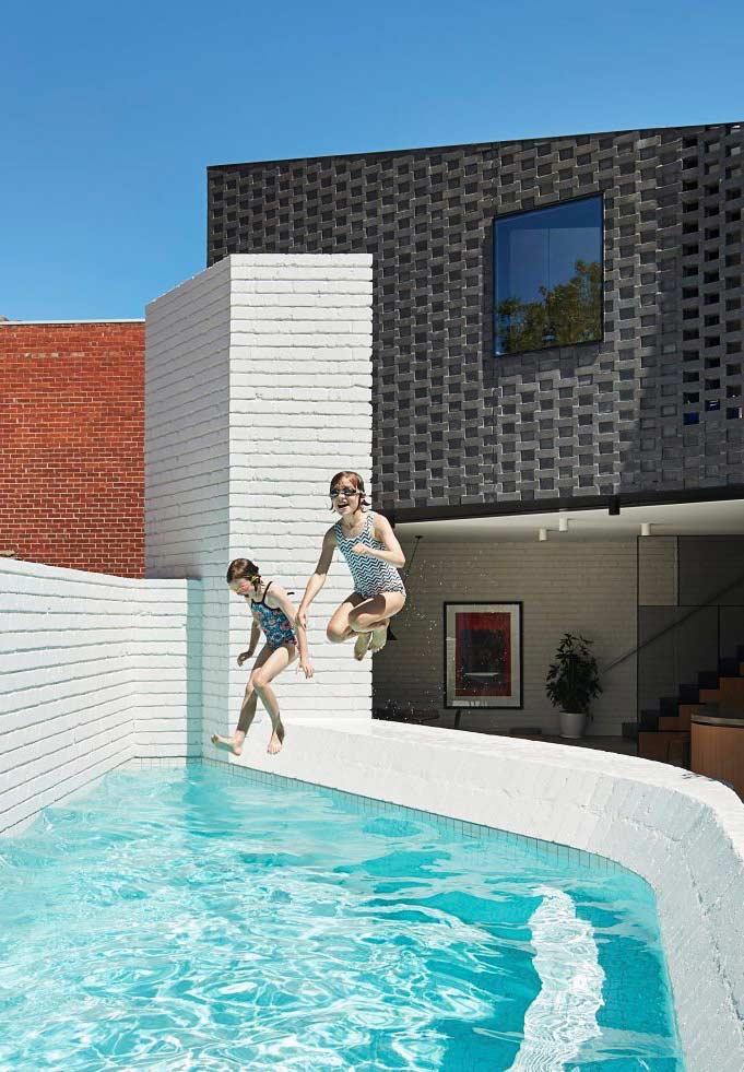 Quintal com piscina
