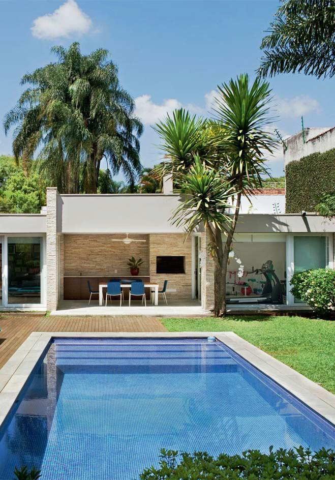 Área de lazer com piscina: 60 projetos para se inspirar