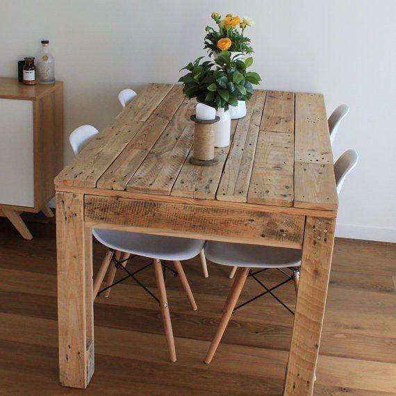 Mesa de jantar com madeira de pallet