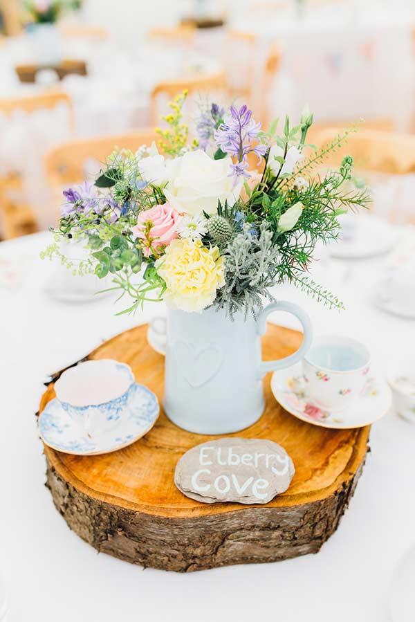 Flores combinam com um chá da tarde