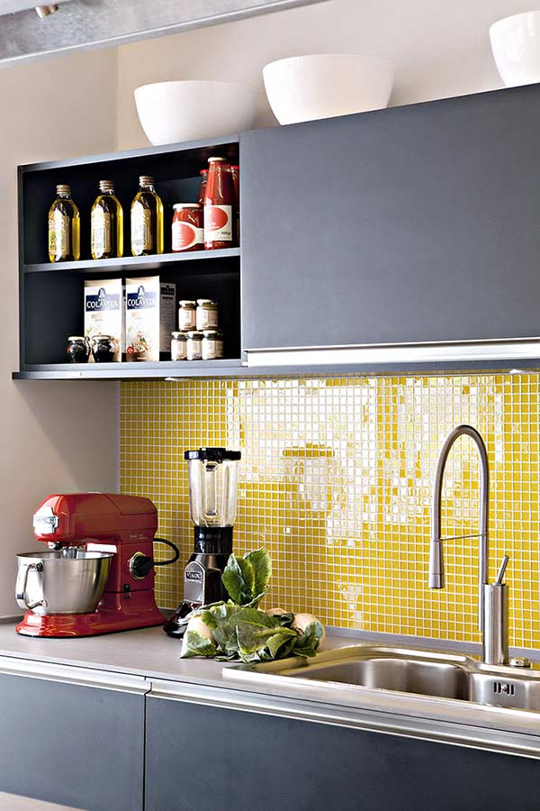 Armário de cozinha planejado preto