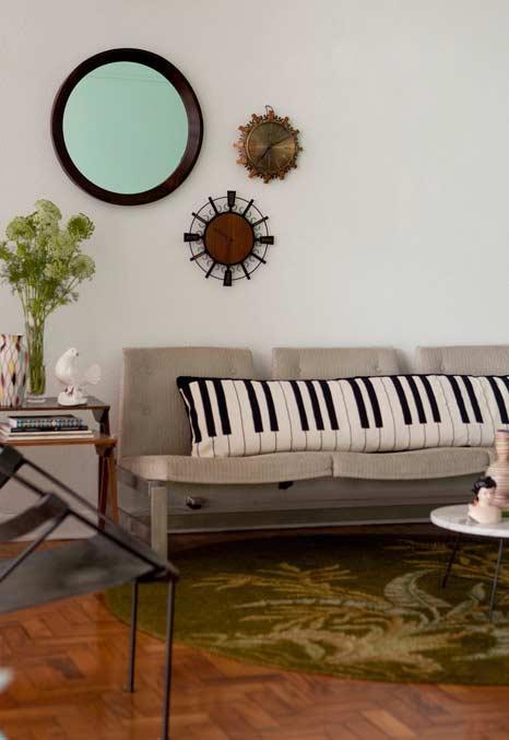 Transforme seu sofá em piano com almofadas teclas
